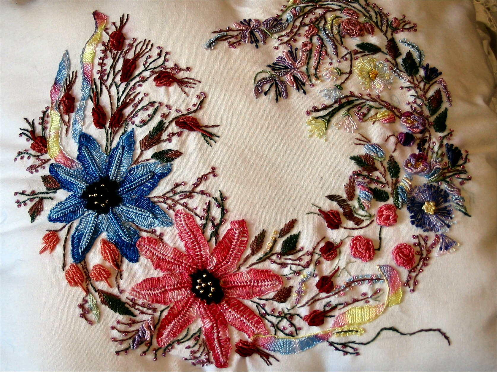 Brazilian Embroidery Pillow Wreath Design